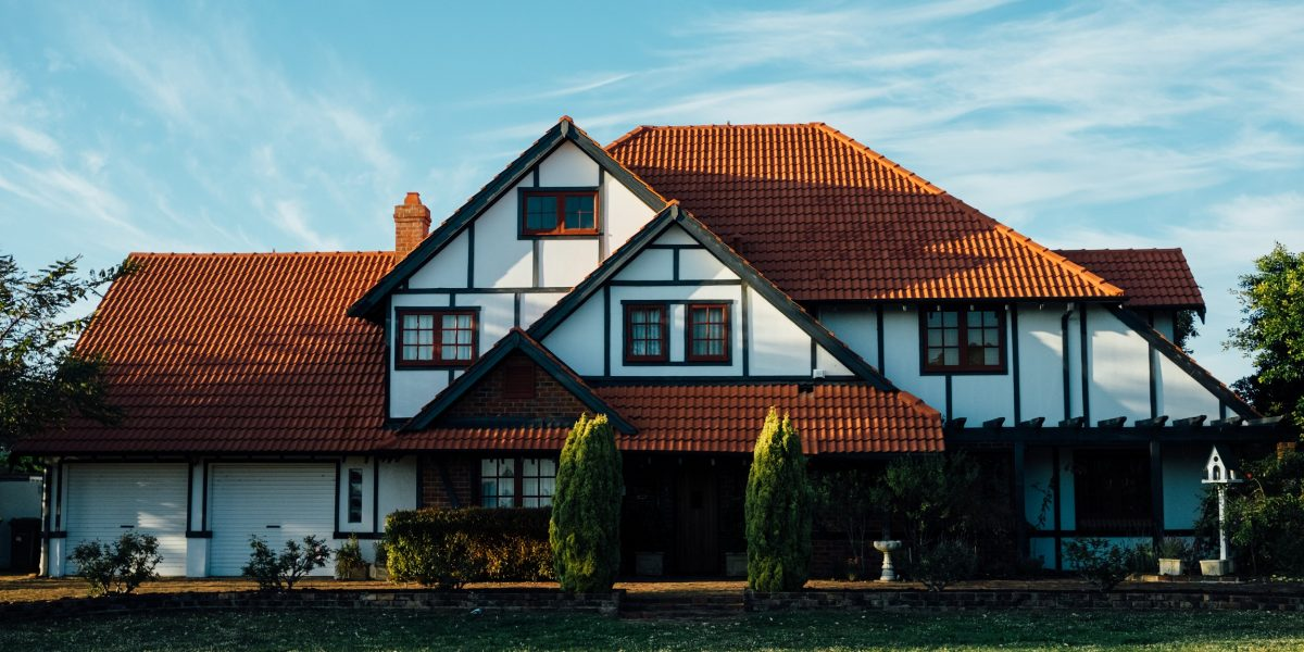 Buying a Custom Home Vs. Market Buying